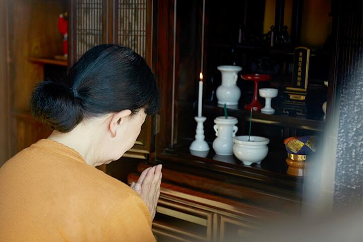 塗り位牌仏壇の準備