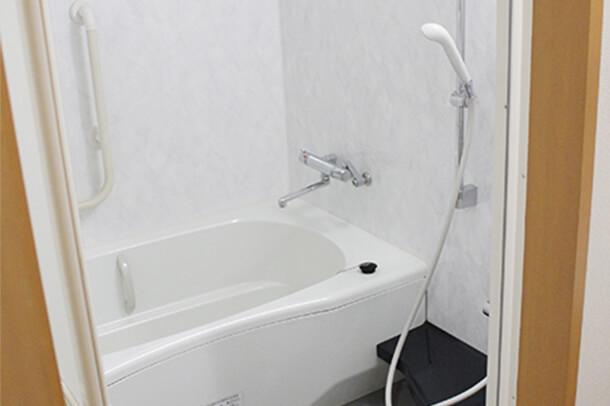 2F 親族控室浴室