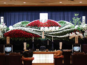 故人様オンリーワンの生花祭壇